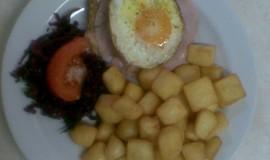 Vepřová kotleta se šunkou a vejcem