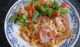Zapečený pangasius s paprikou a rajčaty