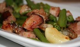 Zelené fazolky na slanince