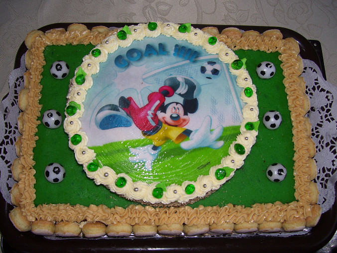 .... ten byl pro synovce k narozeninám :-) .....