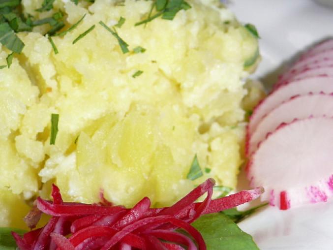 bramborová kaše s brynzou