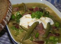 Fazolovo-fazolková polévka s klobáskou