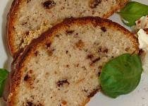 Oříškový bílkový chlebíček