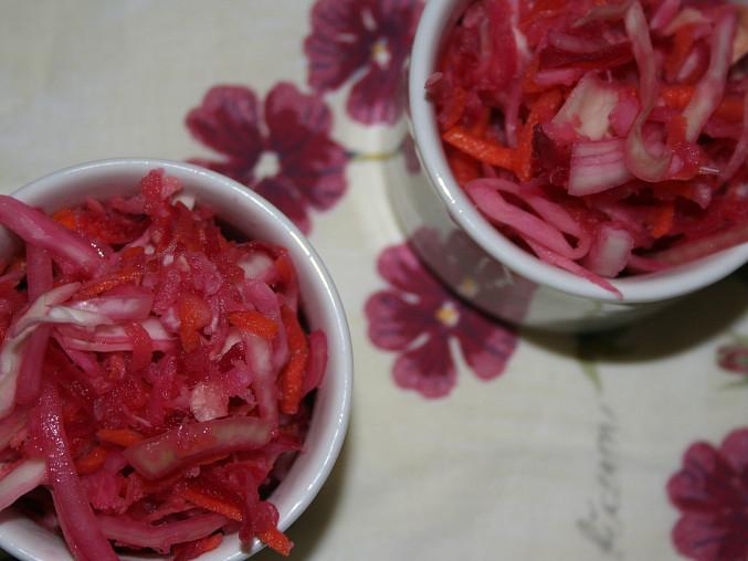 Šťavnatý vitamínový salát podle Nadi Konvalinkové