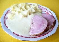 Uzené maso s křenovou omáčkou