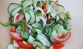 Okurkový salát jako příloha