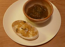 Rebarborová marmeláda se zázvorem a mátou