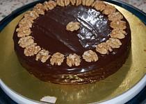 Čokoládový dort s ořechy