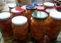 Meruňkový kompot