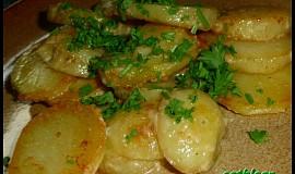 Nové brambory se šlehačkou