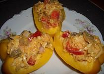 Paprika plněná salátem