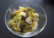 Brokolicový šalát s vajcom