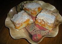 Meruňkové řezy s kokosovou pěnou