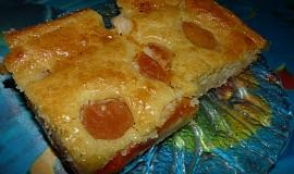 Meruňkový litý koláč