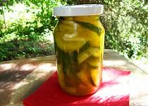 Okurkový salát  KARI