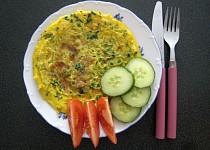 Omelety s hráškem a pažitkou