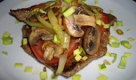 Steak s houbami