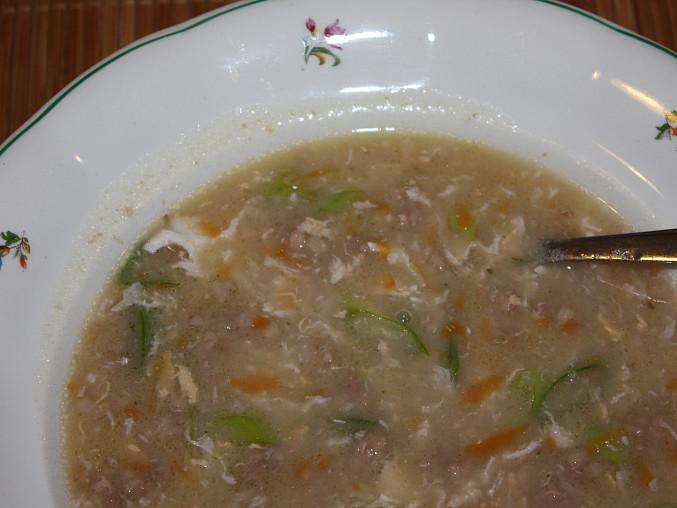 Zahuštěná polévka z mletého masa