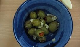 Česnekové olivy