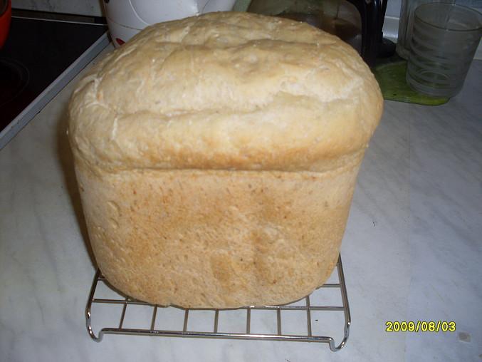 prý je to chleba jako pivo s čepicí (říkal můj muž)