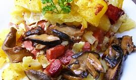 Houbovo-salámové brambory