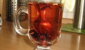 Rumový čaj s ovocem