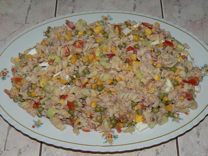 Těstovinový salát s tuňákem I