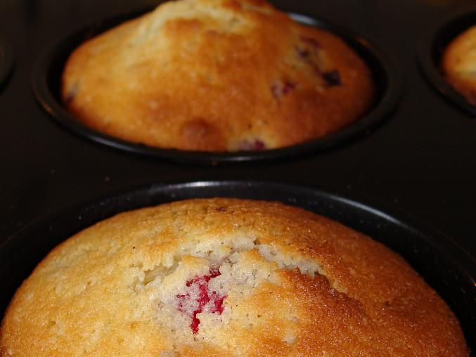Muffiny s malinami a jahodami