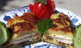 Bramborák s  kuřecím masem a sýrem