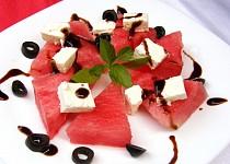 Meloun s balkánským sýrem