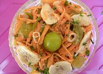 Mrkvový salát s ovocem