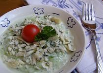 Okurkový salát s nivou