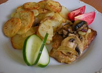 Pečené brambory s masem a žampióny