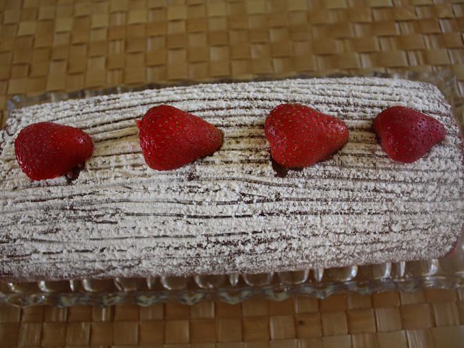 Piškotová kakaová roláda