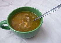 Polévka z pečených krůtích krků