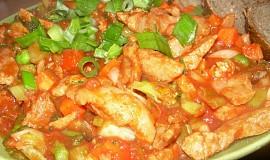 Sojové maso s rajčatovou passatou a zeleninou