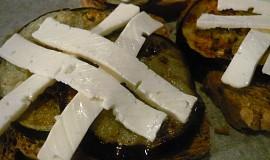 Tousty s lilkem a balkánským sýrem