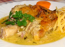 Kuře na česneku se smetanou zapečené sýrem
