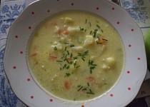 Květákovo-pórková polévka s nivou