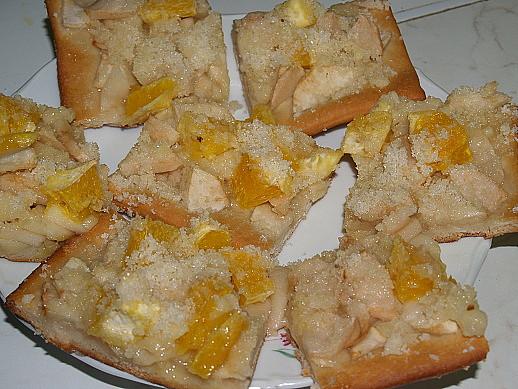 kynutý koláč s jablky a pomerančem