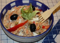 Salát z tuňáka na chlebíčky