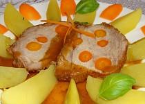 Vepřová kýta protýkaná mrkví