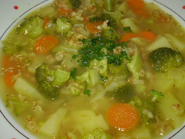 Brokolicovo-ovesná polévka