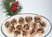 Chriapky-ořechové pusinky na oplatce