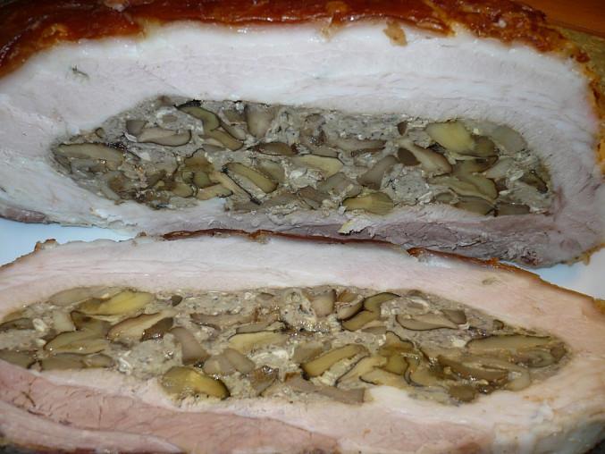 Nádivka -smaženice z lesních,ve vlastní šťávě sterilovaných hub.