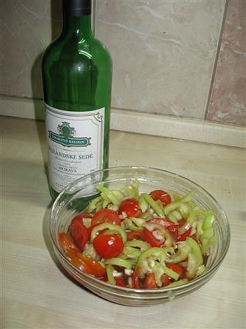 Ostrý zeleninový salát