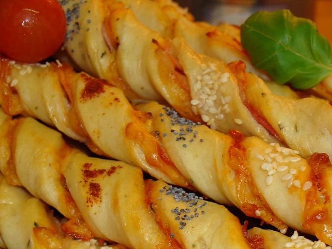 Pizza tyčinky z kynutého těsta, Detail