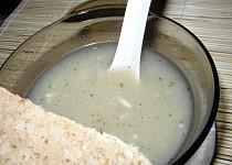 Polévka po vaření chlupatých knedlíků - (Psí vejkrop)
