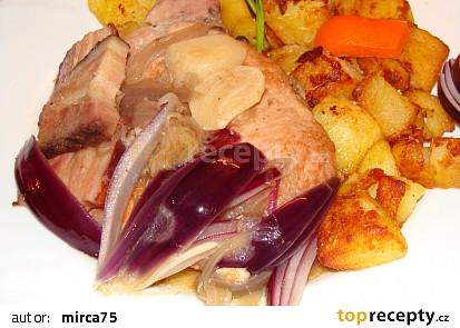 Vepřové kotlety s červenou cibulí,anglickou a česnekem