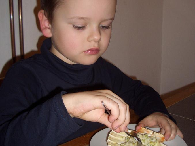 Gnocchetti se smetanovou omáčkou a brokolicí, spokojený strávník